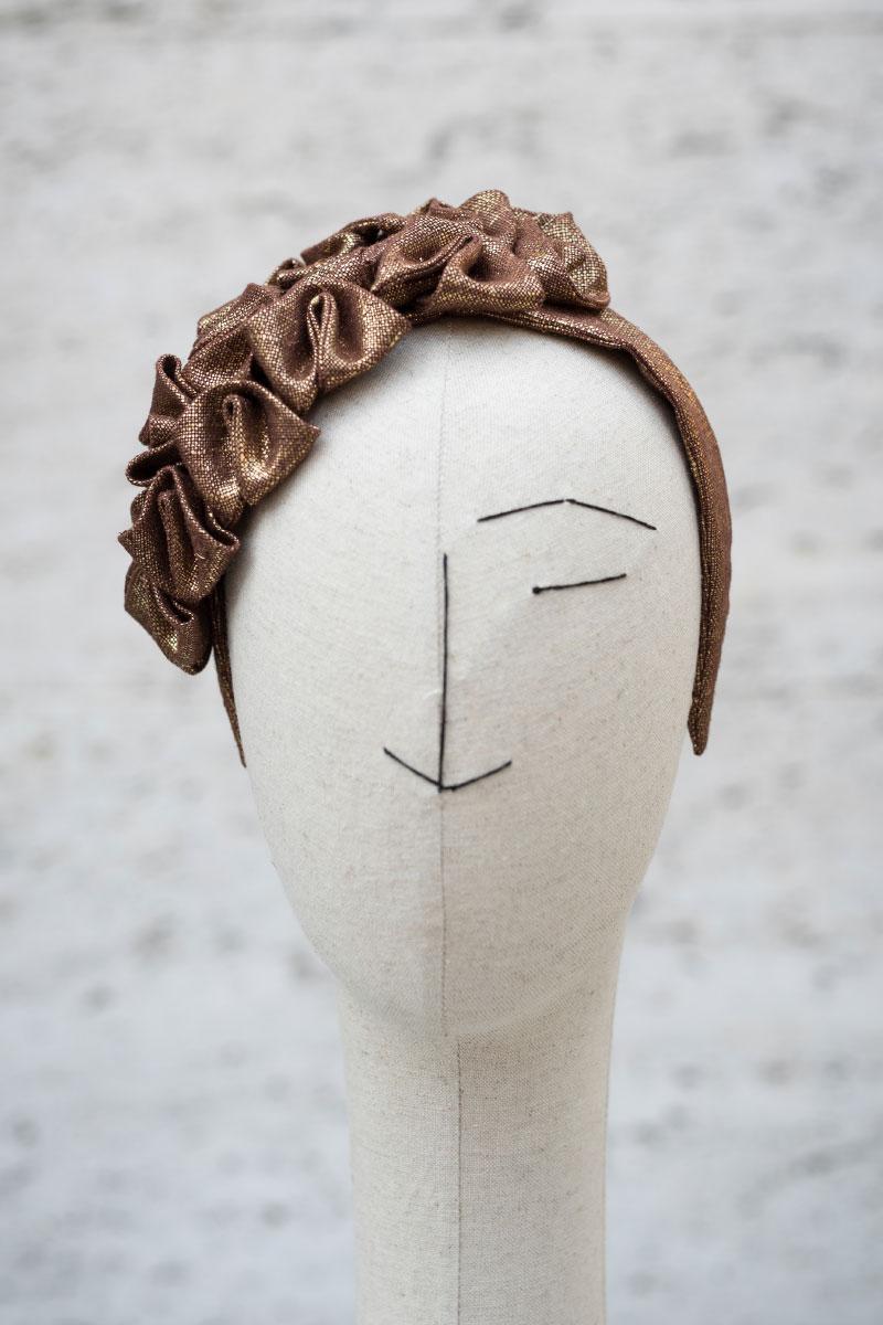 Headpiece Cloud coated linen gold Veronica Innocenzi Acapo italiano plurale artist