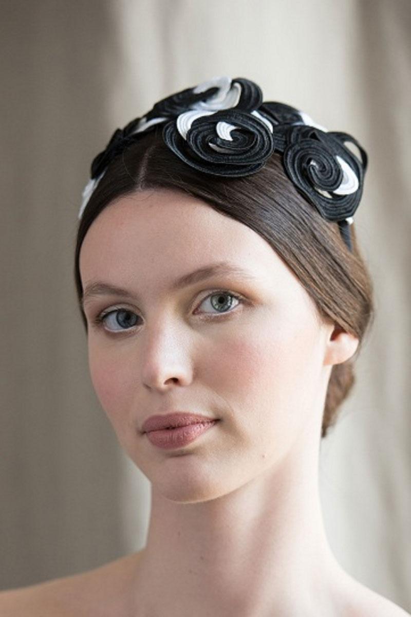 Headpiece circles black and white cotton soutache Veronica Innocenzi Acapo italiano plurale artist