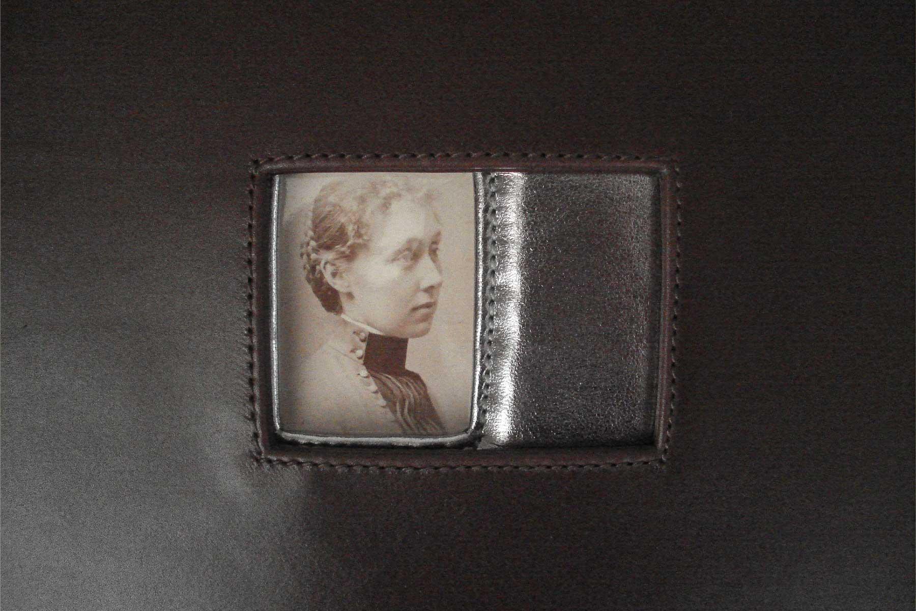 Purse Silver leather photo 20th century Annalisa Tessarolo