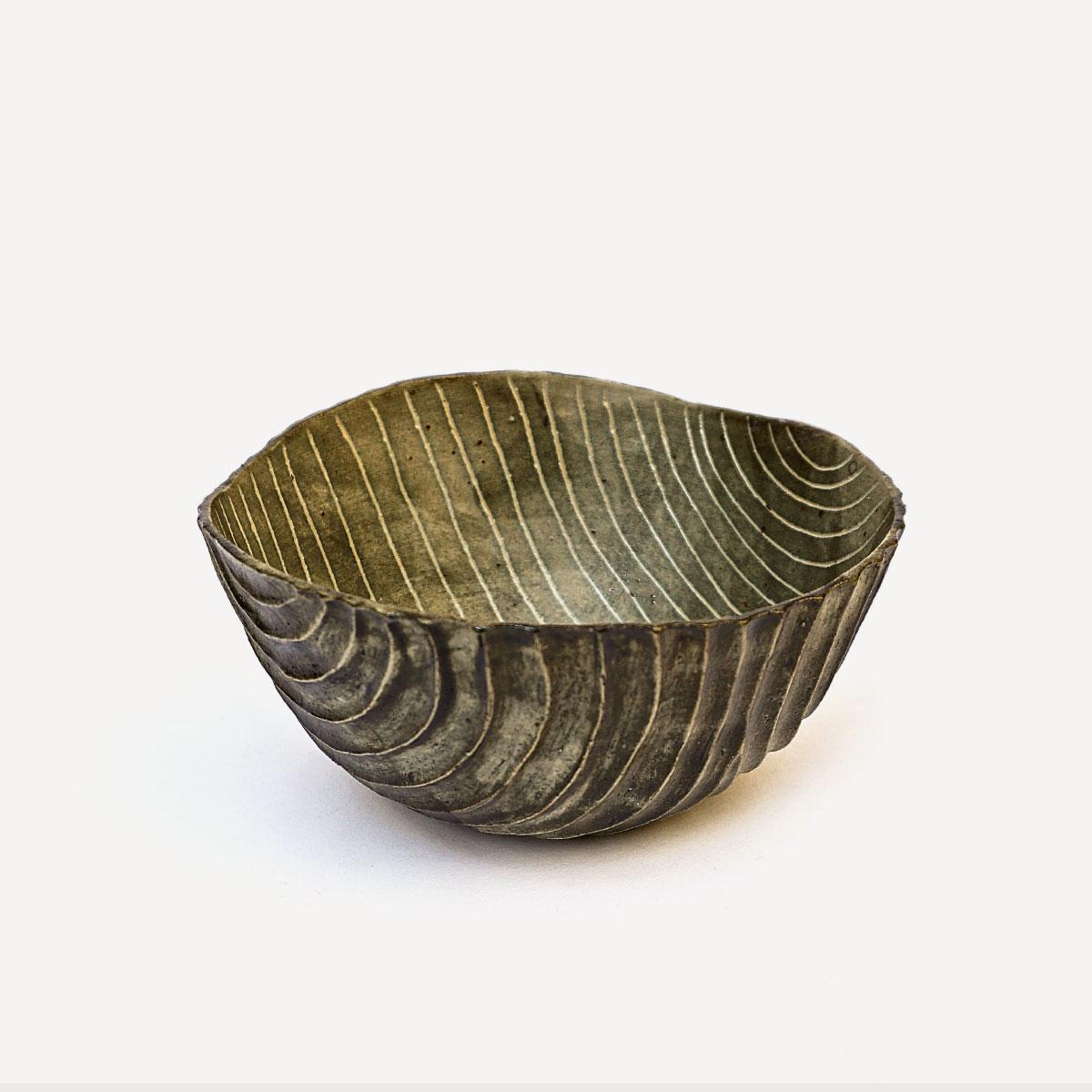 Sara Federici Carved Bowl White Stoneware 1260 C Wheelthrown italiano plurale