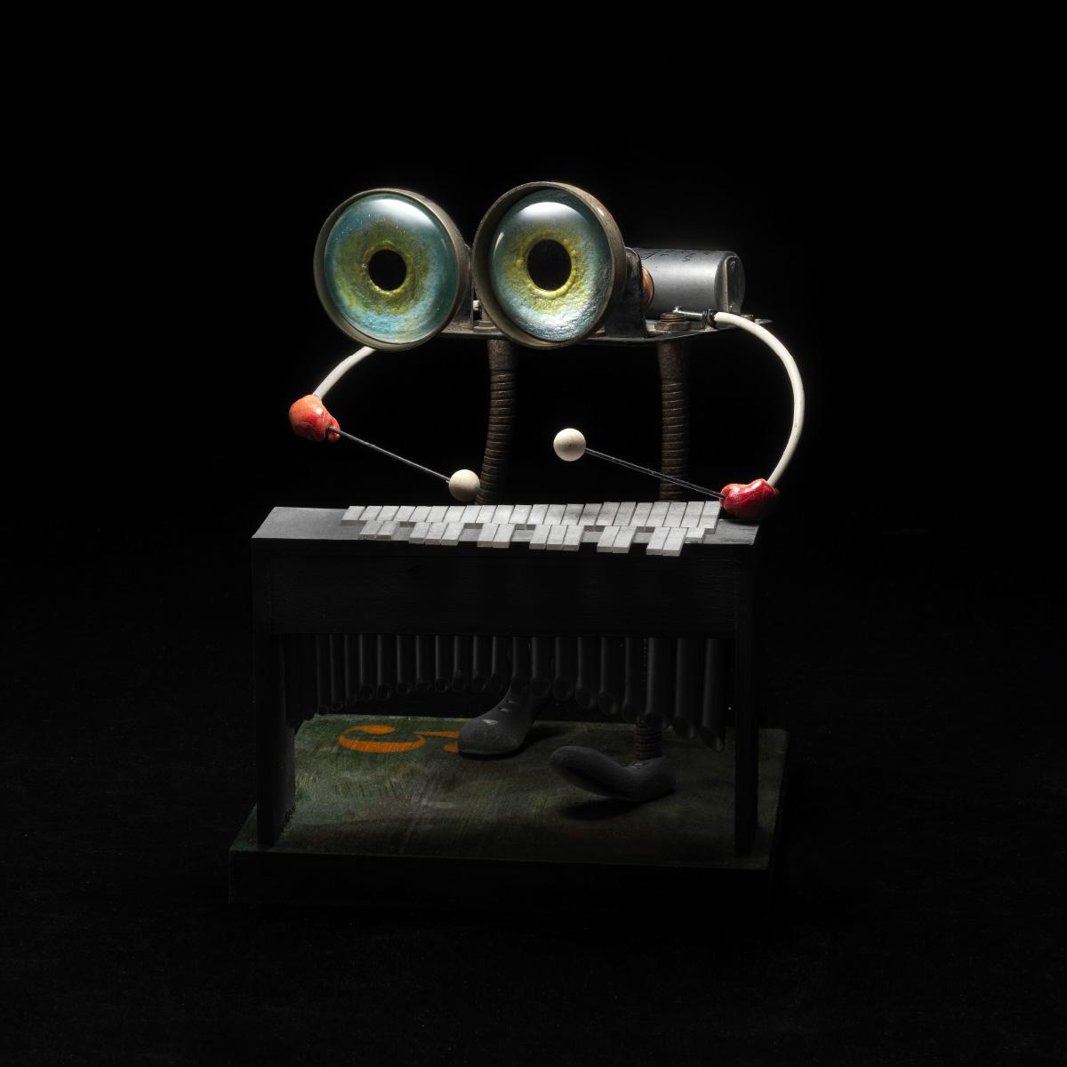 Stefano Prina xylophone eyes Italiano Plurale artist