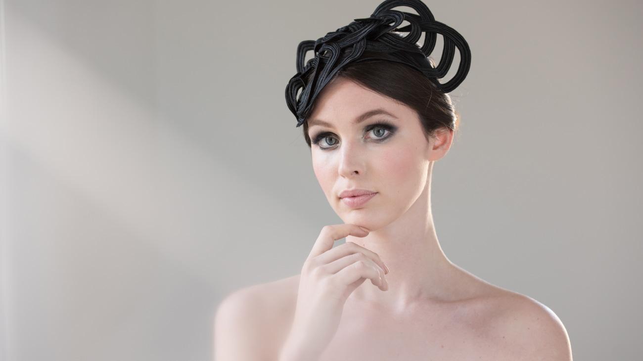 contemporary artist Veronica Innocenzi headpiece italiano plurale