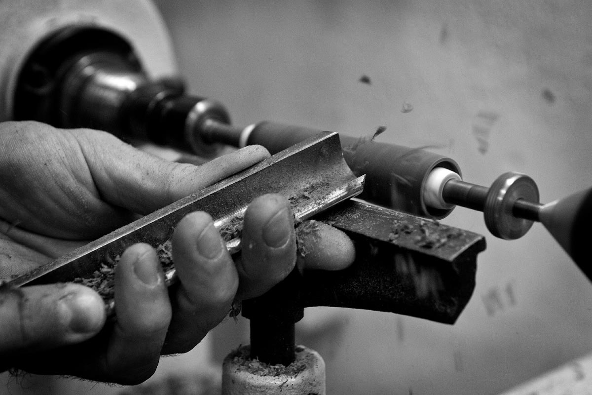 wood art handmade working details Riccardo Masini contemporary artist Italiano Plurale