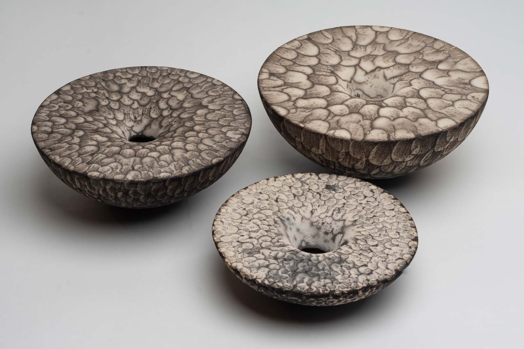 Lara De Sio sculpture incrementum white semirefractory clay Italiano Plurale