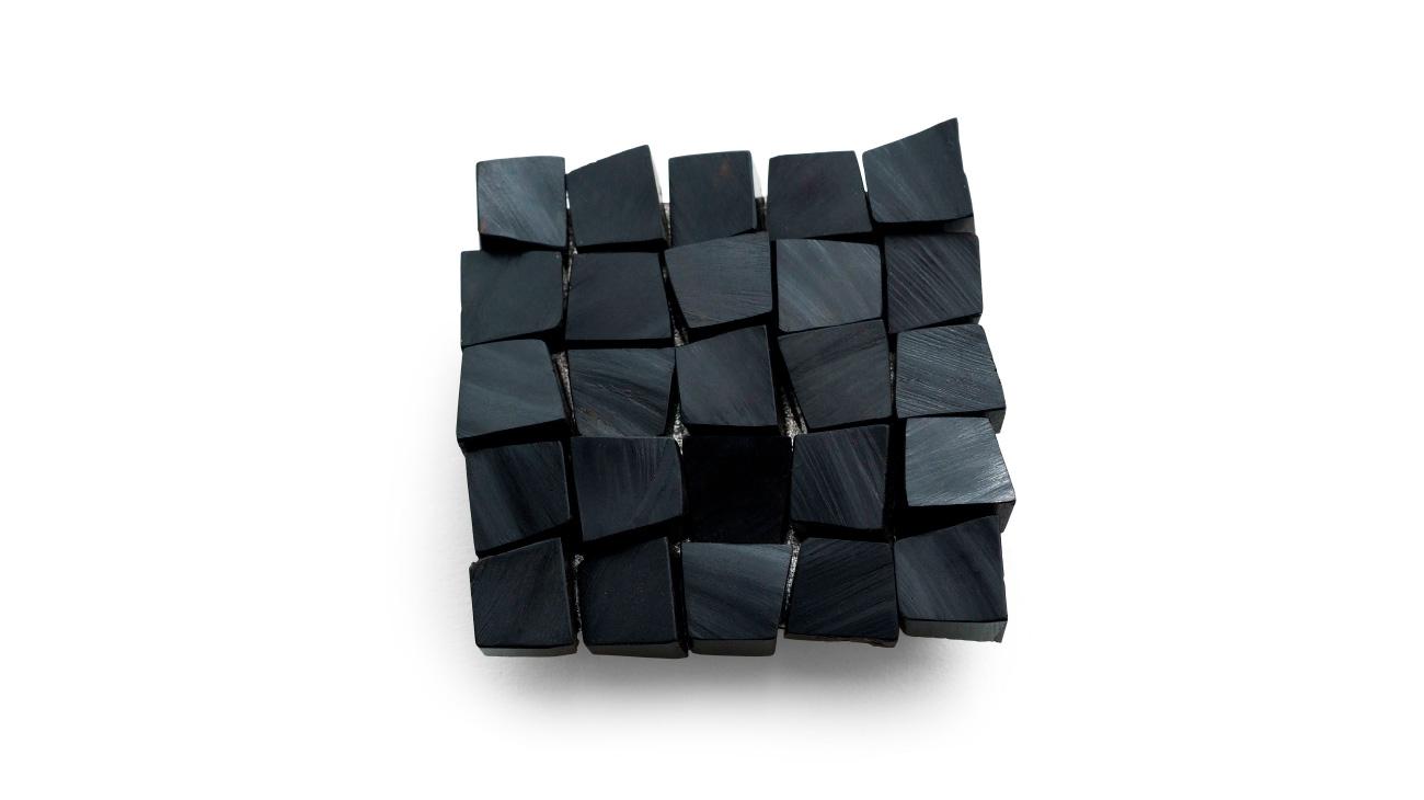 italian contemporary art Stenia Scarselli brooch Italiano Plurale