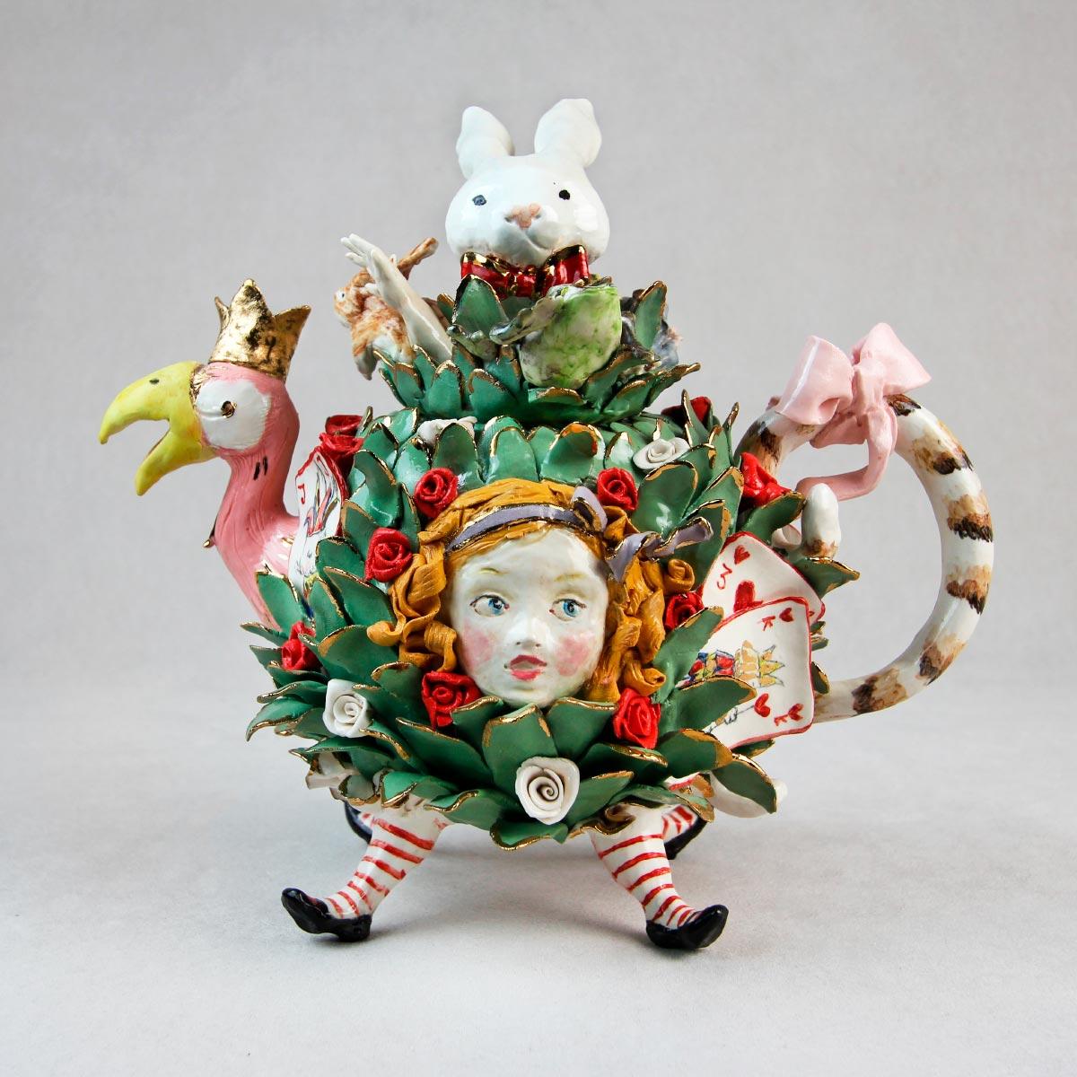 Cecilia Coppola artistic teapot Alice porcelain gold