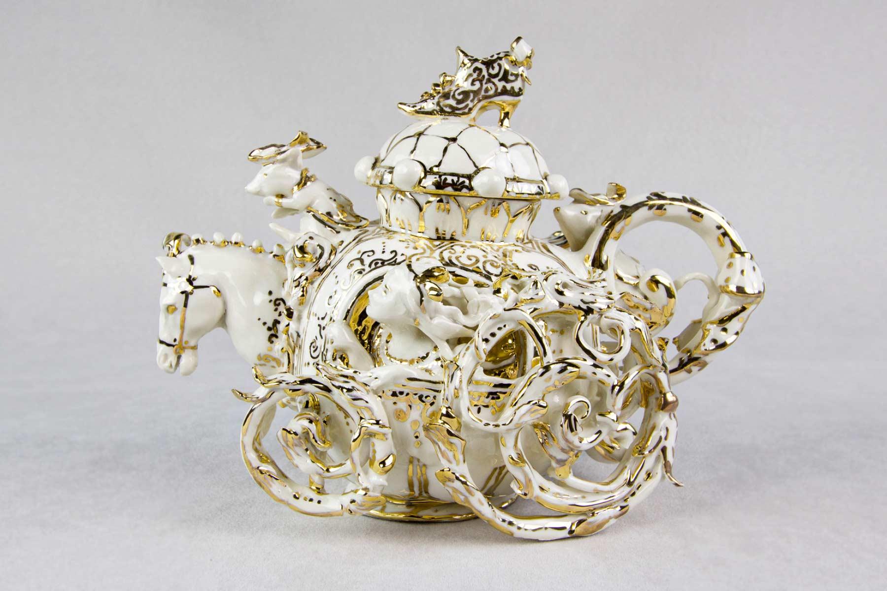 teapot cinderella porcelain gold Cecilia Coppola Italiano Plurale artist
