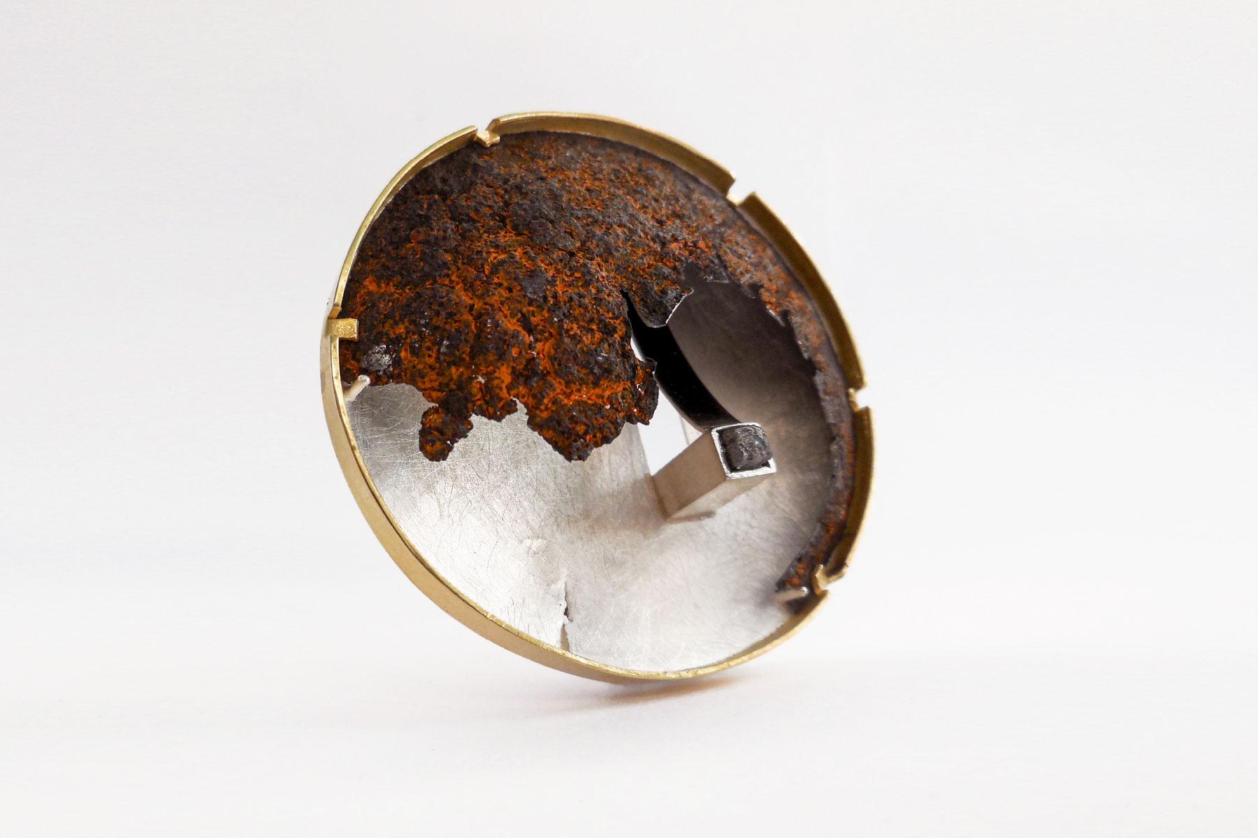 Brooch walls gold silver iron rough diamond Giorgio Chiarcos Italiano Plurale artist