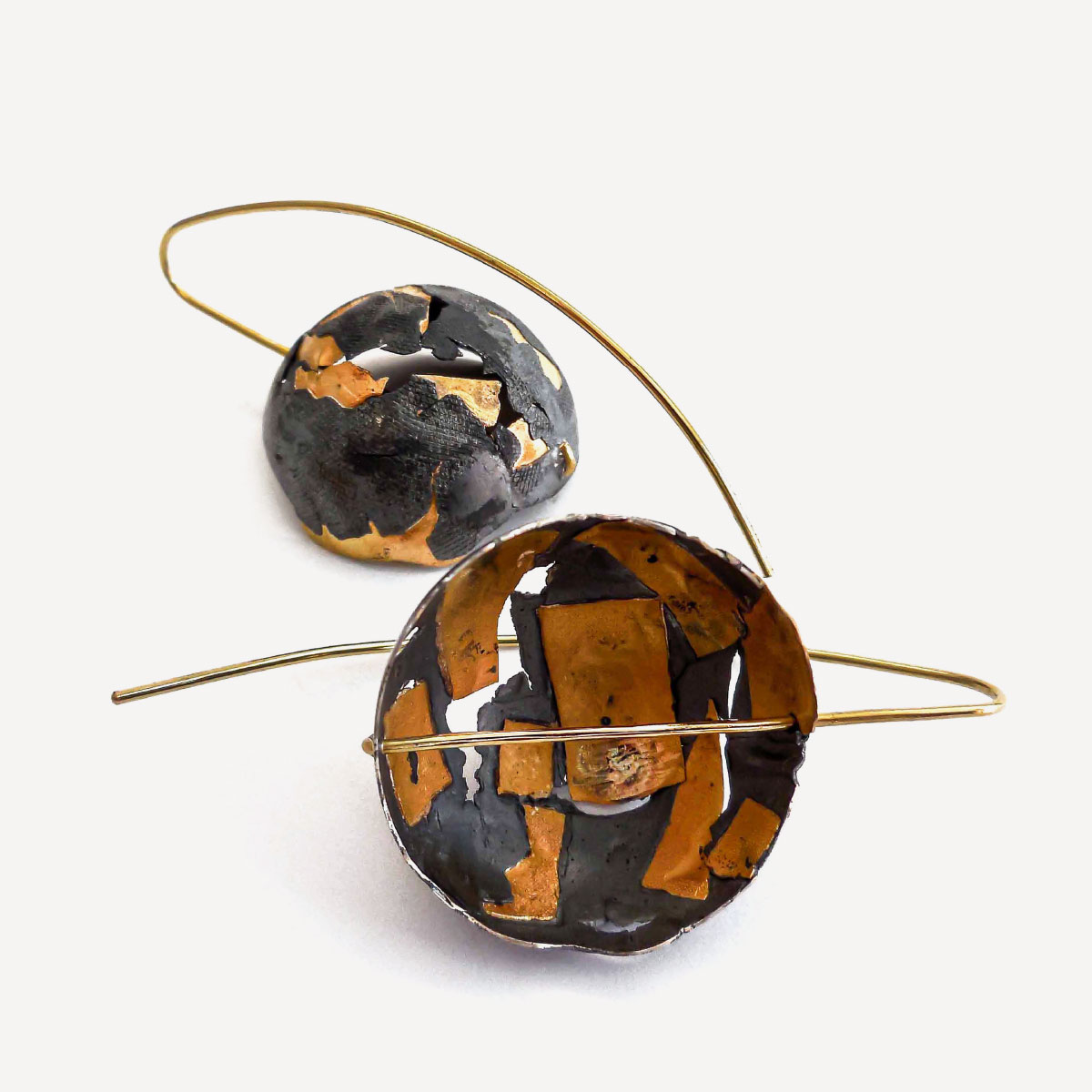 Earings mura yellow gold silver with patina Giorgio Chiarcos