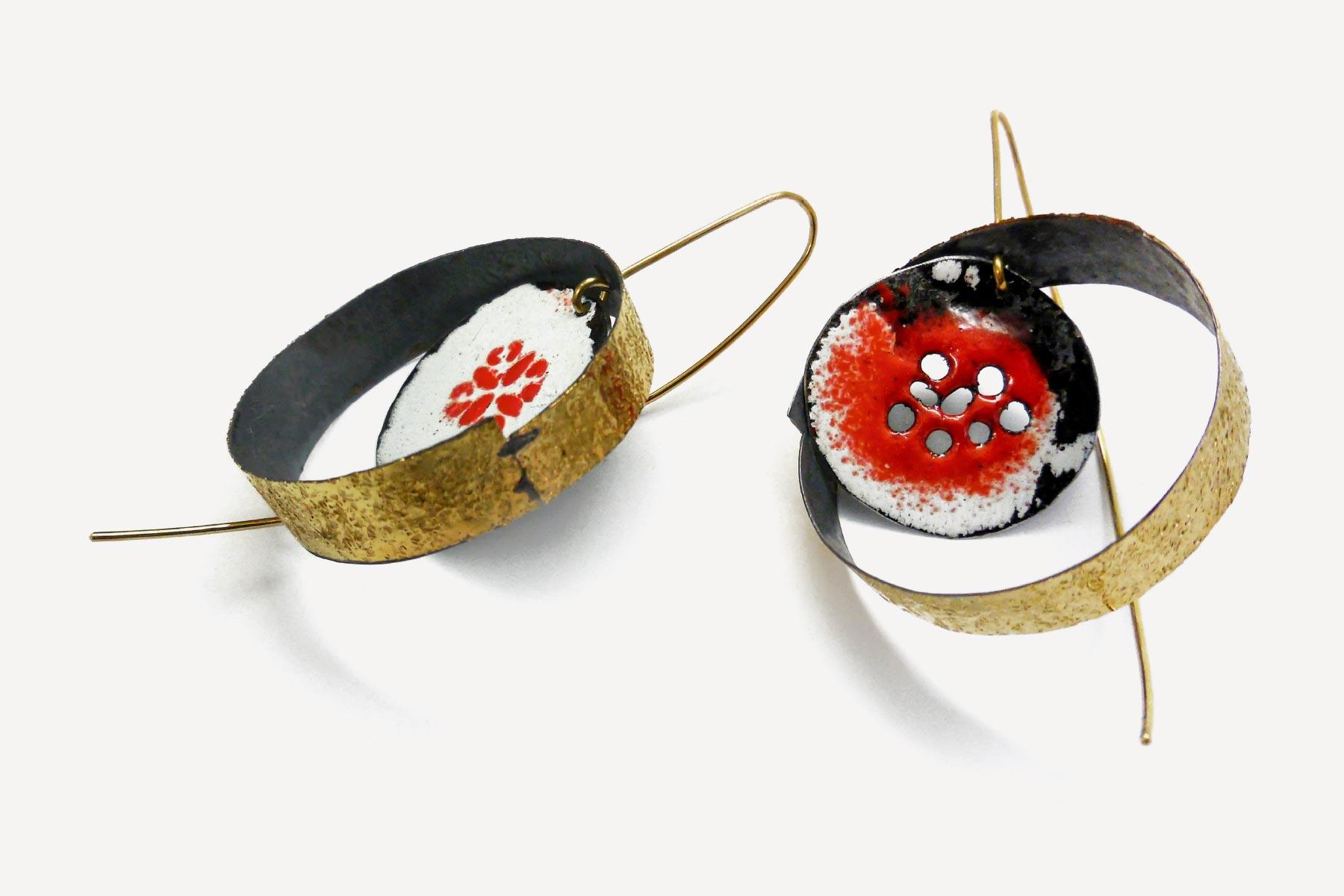 Giorgio Chiarcos earings kosmos gold silver white and red enamel Italiano Plurale